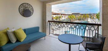Terraza de la suite junior en el resort Lopesan Costa Bávaro en Punta Cana